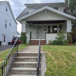 204 Homecroft Rd