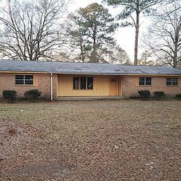 1711 Sowell Rd